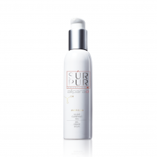 Sur Pur Amber Clean Illume Clarifying Gel leaves the skin feeling cool, clean and refreshed.